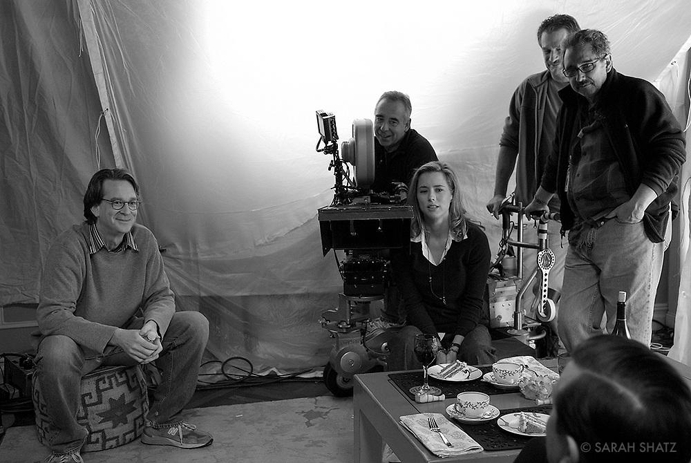 "David Koepp, Bruce MacCallum, Tea Leoni, Arthur Blum, Fred Murphy, Ricky Gervais on the set of ""Ghost Town"" (Dir: David Koepp, 2008)"