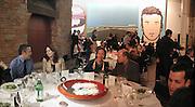 Julian Opie and Alexandra Shulman on left. TRIBE ART COMMISSION / 2002 / JULIAN OPIE, dinner,  Truman Brewery. London.  16 April 2002. © Copyright Photograph by Dafydd Jones 66 Stockwell Park Rd. London SW9 0DA Tel 020 7733 0108 www.dafjones.com