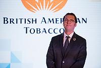 Augustow, 04.12.2017. Uroczyste oddanie do uzytku nowej hali produkcyjnej w fabryce papierosow British American Tobacco ( BAT ) . Dzieki inwestycji 450 mln zl augustowska wytwornia bedzie mogla robic 50 mld szt papierosow rocznie i jest jedna z najwiekszych w koncernie i na swiecie , zatrudnia 1700 osob N/z dyrektor fabryki Volkan Oruk fot Michal Kosc / AGENCJA WSCHOD