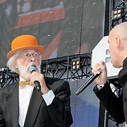 NLD/Amsterdam/20110430 - Koninginnedagconcert Radio 538, Vader Abraham en de Mosselman