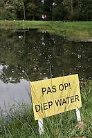 HENGELO (overijssel)-Waarschuwing. Diep water op Golfclub Driene