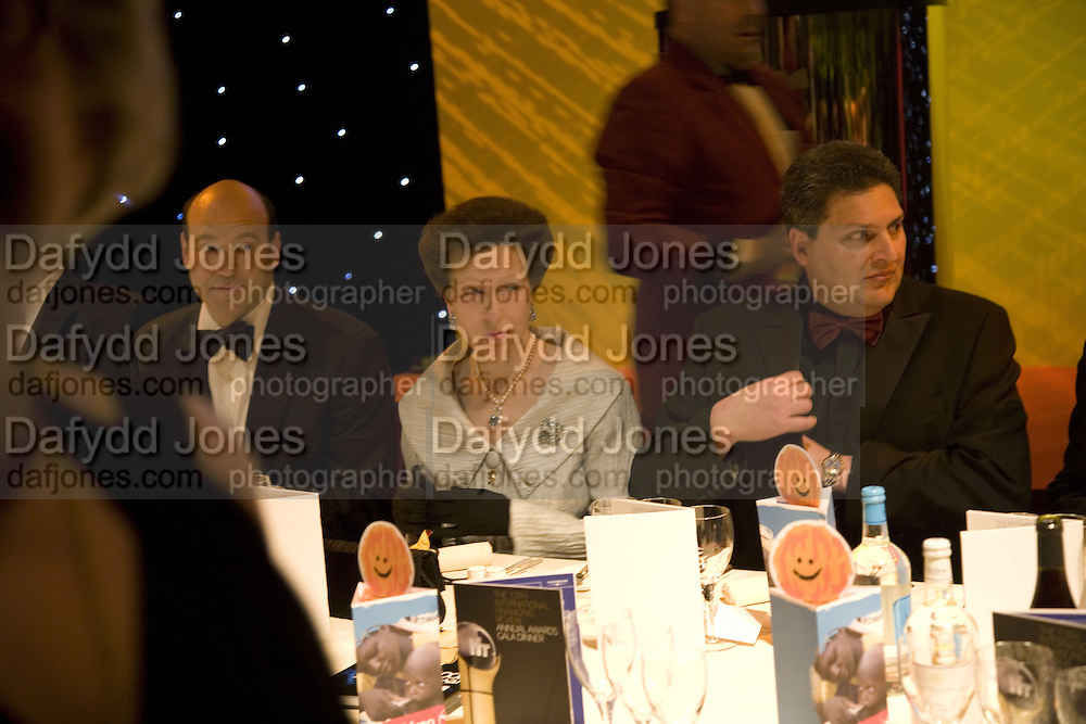 GARY COHN, ( GOLDMAN SACHS WON BANKER OF THE YEAR)  THE PRINCESS ROYAL AND KEITH MUELLER. IFR ( International Financial Review)  Awards Gala  Dinner Fundraiser for Save the Children, Grosvenor House. London. 14 January 2008. <br />-DO NOT ARCHIVE-© Copyright Photograph by Dafydd Jones. 248 Clapham Rd. London SW9 0PZ. Tel 0207 820 0771. www.dafjones.com.