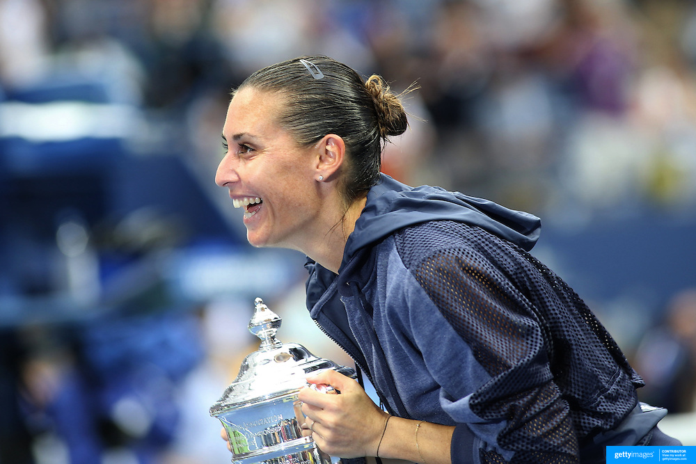 Flavia Pennetta, Italy, blows a kiss to Italian Prime Minister Matteo Renzi after her victory over Roberta Vinci Italy, in the Women's Singles Final match during the US Open Tennis Tournament, Flushing, New York, USA. 12th September 2015. Photo Tim Clayton