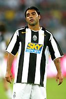 Bari 3/8/2004 Trofeo Birra Moretti - Juventus Inter Palermo. <br /> <br /> Fabrizio Miccoli Juventus<br /> <br /> Risultati / results (gare da 45 min. each game 45 min.) <br /> <br /> Juventus - Inter 1-0 Palermo - Inter 2-1 Juventus b. Palermo dopo/after shoot out <br /> <br /> Photo Andrea Staccioli