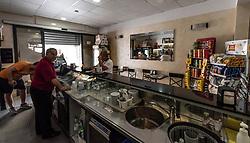 Lizzano, Taranto. Caffetteria Matera, bar di paese