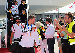15.07.2014, Flughafen Tegel, Berlin, GER, FIFA WM, Empfang der Weltmeister in Deutschland, Finale, im Bild Thomas Mueller (GER), dahinter Sami Khedira (GER) // during Celebration of Team Germany for Champion of the FIFA Worldcup Brazil 2014 at the Flughafen Tegel in Berlin, Germany on 2014/07/15. EXPA Pictures © 2014, PhotoCredit: EXPA/ Eibner-Pressefoto/ Pool<br /> <br /> *****ATTENTION - OUT of GER*****