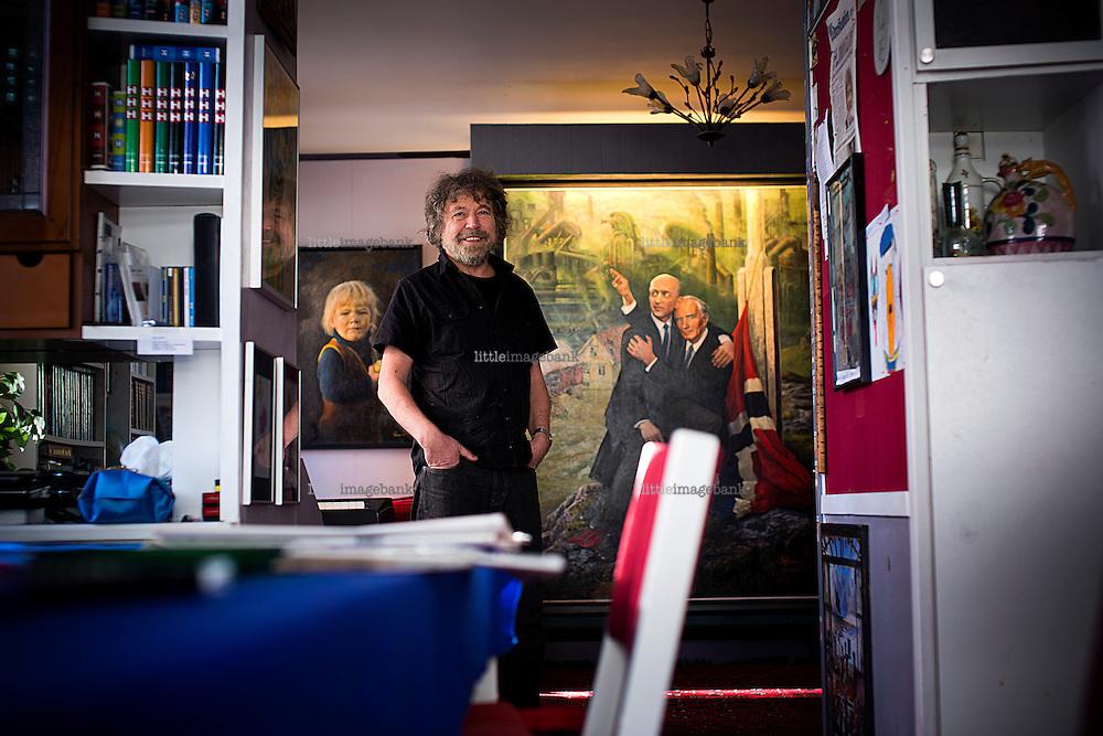 Oslo, Norge, 08.03.2013. Rolf Dagfinn Groven (født 11. mars 1943) er en norsk bildekunstner fra Fræna i Møre og Romsdal. Han er utdannet innen byplanlegging, arkitektur og kunst. Foto: Christopher Olssøn.