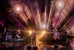 21-12-2016 NED: Sportgala NOC * NSF 2016, Amsterdam<br /> In de Amsterdamse RAI vindt het traditionele NOC NSF Sportgala weer plaats / Podium entertainment band muziek show