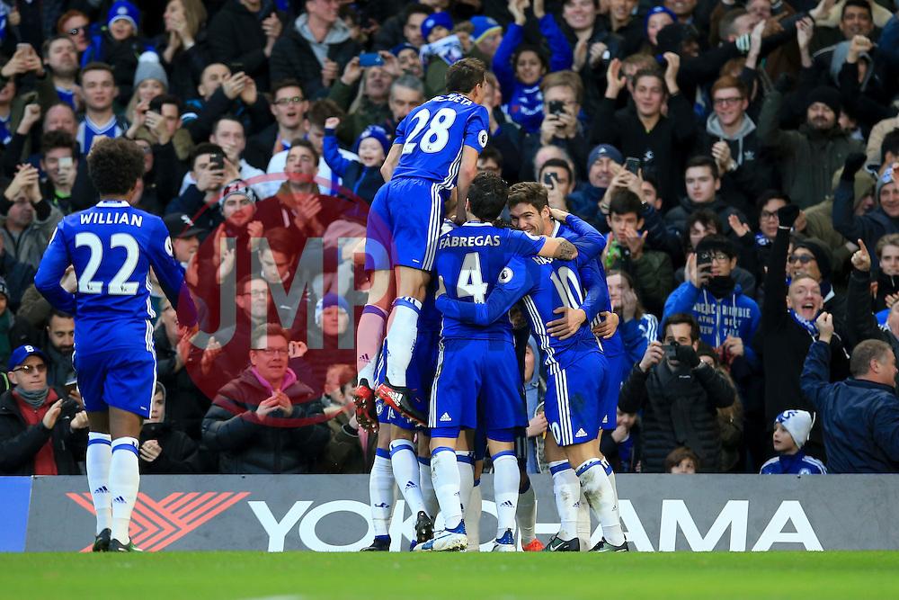 Chelsea celebrate Asmir Begovic of Chelsea goal, Chelsea 1-0 Bournemouth - Mandatory by-line: Jason Brown/JMP - 26/12/2016 - FOOTBALL - Stamford Bridge - London, England - Chelsea v Bournemouth - Premier League