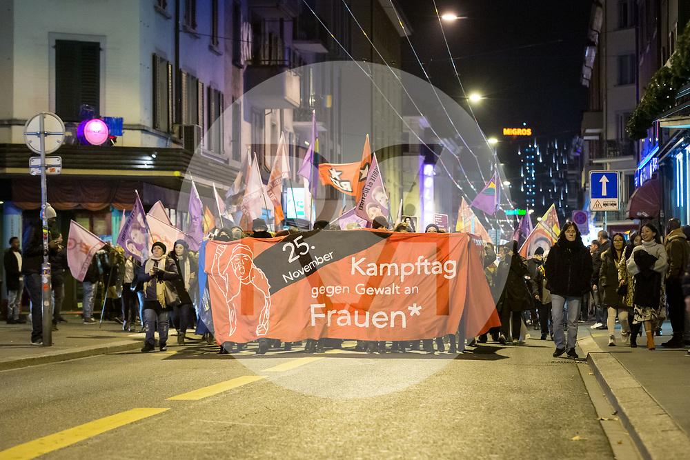 SCHWEIZ - ZÜRICH - Demonstration gegen Gewalt an Frauen, auf der Langstrasse - 24. November 2018 © Raphael Hünerfauth - http://huenerfauth.ch