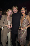 Michelle Collins, Nicky Clarke and Yasmin Mills. In Style launch. Victoria Miro Gallery. London N1. 15 February 2001. © Copyright Photograph by Dafydd Jones 66 Stockwell Park Rd. London SW9 0DA Tel 020 7733 0108 www.dafjones.com