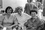 Schauspielerinen Lia Wöhr und Liesel Christ (rechts).  Bilder für den Oberurseler  Kurier fotografiert in den Jahren von 1988-1994.