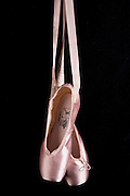 Belo Horizonte_MG, Brasil...Detalhe da sapatilha de uma bailarina...Ballet shoes, or ballet slippers..Foto: LEO DRUMOND / NITRO