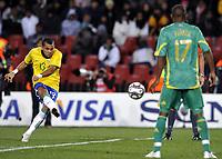 Fotball<br /> Brasil v Sør Afrika<br /> Foto: DPPI/Digitalsport<br /> NORWAY ONLY<br /> <br /> FOOTBALL - CONFEDERATIONS NATIONS CUP 2009 - 1/2 FINAL - BRAZIL v SOUTH AFRICA - 25/06/2009<br /> <br /> GOAL DANIEL ALVES (BRA)