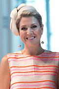 Koningin Maxima is aanwezig bij de uitreiking van de Familiebedrijven Award. Deze prijs wordt jaarlijks door de Stichting Familie Onderneming uitgereikt aan het beste familiebedrijf in Nederland. <br /> <br /> Queen Maxima was present at the presentation of the Family Business Award. This prize is awarded annually by the Foundation for Family Enterprise at the best family business in the Netherlands.<br /> <br /> Op de foto / On the photo:  Koningin Maxima / Queen Maxima