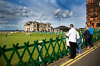 ST. ANDREWS -Schotland-GOLF. Clubhuis R&A (Royal and Ancient Golf Club) aan  Old Course. COPYRIGHT KOEN SUYK