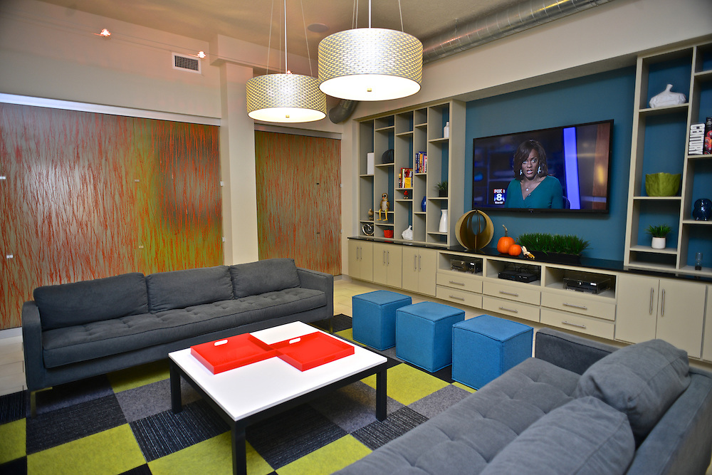 Resident lounge at the 401 Lofts apartments.