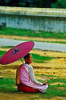 Buddhist nun, Mingun (on the Ayeyarwady River near Mandalay), Burma (Myanmar)