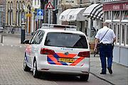 Nederland, Middelburg, 14-9-2014Een auto van de politie staat voor een horecagelegenheid.FOTO: FLIP FRANSSEN/ HOLLANDSE HOOGTE