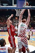 DESCRIZIONE : Milano Lega A 2015-16 Olimpia EA7 Emporio Armani Milano - Giorgio Tesi Group Pistoia<br /> GIOCATORE : Alex Kirk<br /> CATEGORIA : Tiro<br /> SQUADRA : Giorgio Tesi Group Pistoia<br /> EVENTO : Campionato Lega A 2015-2016<br /> GARA : Olimpia EA7 Emporio Armani Milano Giorgio Tesi Group Pistoia<br /> DATA : 01/11/2015<br /> SPORT : Pallacanestro<br /> AUTORE : Agenzia Ciamillo-Castoria/M.Ozbot<br /> Galleria : Lega Basket A 2015-2016 <br /> Fotonotizia: Milano Lega A 2015-16 Olimpia EA7 Emporio Armani Milano - Giorgio Tesi Group Pistoia