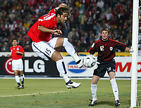 Fotball<br /> Foto: Dppi/Digitalsport<br /> NORWAY ONLY<br /> <br /> AFRICAN CUP OF NATIONS 2006 - FIRST ROUND - GROUP A - EGYPT v LIBYA<br /> <br /> MIDO (EGY) / ALEJANDRO AGUSTINI (LIB)