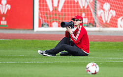 CARDIFF, WALES - Monday, August 31, 2020: Photographer Lewis Mitchell during a training session at the Vale Resort ahead of the UEFA Under-21 Championship Qualifying Round Group 9 match between Bosnia and Herzegovina and Wales. (Pic by David Rawcliffe/Propaganda)