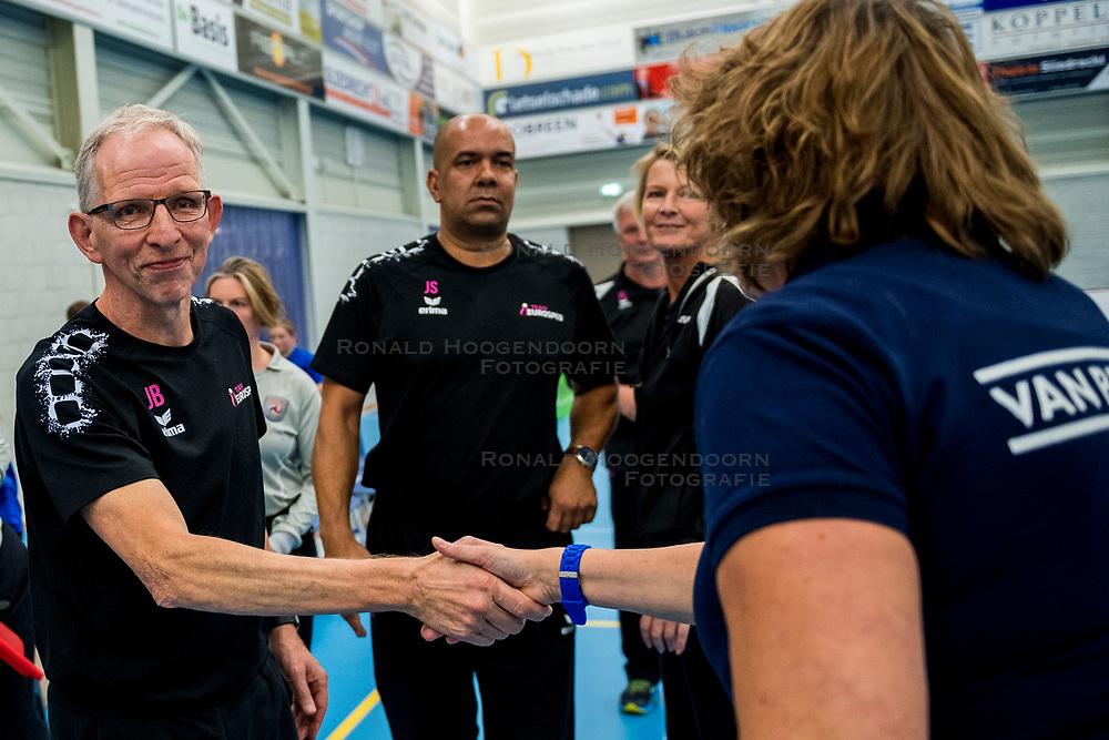 29-09-2018 NED: Supercup Sliedrecht Sport - Eurosped, Sliedrecht<br /> Sliedrecht takes the first price of the new season / Coach Jan Berendsen of Eurosped