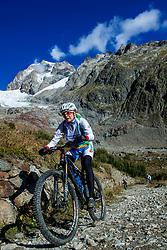 16-09-2017 FRA: BvdGF Tour du Mont Blanc day 7, Beaufort<br /> De laatste etappe waar we starten eindigen we ook weer na een prachtige route langs de Mt. Blanc / Marion