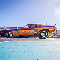 Andrew Katavatis has been out a few times today, and is looking pretty confident in #TheBeachBomb #NitroFunnyCar - #PerthMotorplex #DragRacing Test and Tune