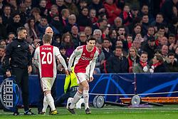 10-04-2019 NED: Champions League AFC Ajax - Juventus,  Amsterdam<br /> Round of 8, 1st leg / Ajax plays the first match 1-1 against Juventus during the UEFA Champions League first leg quarter-final football match / Jurgen Ekkelenkamp #40 of Ajax, Lasse Schone #20 of Ajax