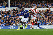 Romelu Lukaku of Everton gets in front of Geoff Cameron of Stoke City. Premier league match, Everton v Stoke city at Goodison Park in Liverpool, Merseyside on Saturday 27th August 2016.<br /> pic by Chris Stading, Andrew Orchard sports photography.