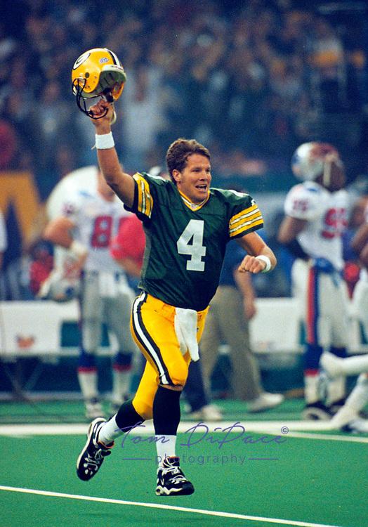 Brett Favre Green Bay Packers<br /> Photo/Tom DiPace)