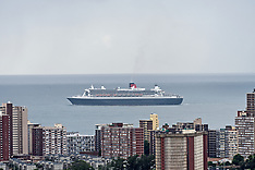 Queen Mary 2 leaves Durban