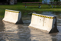 https://Duncan.co/jersey-barriers-in-water