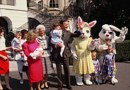 Washington, DC 1989/03/27 The H.W. Bush family at the White House Easter Egg Roll on the South Lawn of the White House<br />Photo by Dennis Brack
