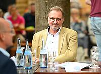 DEU, Deutschland, Germany, Rottenburg, 27.07.2021: Joachim Walter (CDU), Landrat des Landkreises Tübingen und Präsident des Landkreistags Baden-Württemberg, beim Wahlkampfauftakt der CDU in Baden-Württemberg im Biergarten beim Haus der Bürgerwache.