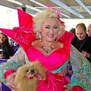 NLD/Tilburg/20101010 - Inloop musical Legaly Blonde, Karin Bloemen