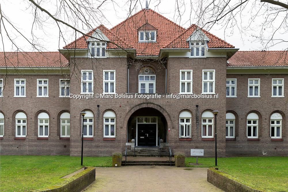 Nederland,  Vuught,gebouwen en terrein van  Reinier van Arkel. op de foto Vijverhof
