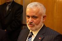 02 NOV 2004, ANKARA/TURKEY:<br /> Mehmet Elkatmis, Vorsitzender Menschenrechtsausschuss d. tuerkischen Parlaments, im Gespraech mit einer Delegation der Bundestagsfraktion Buendnis 90 / Die Gruenen, Parlament<br /> IMAGE: 20041102-01-037<br /> KEYWORDS: Tuerkei, Türkei