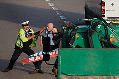 2021-09-21 Insulate Britain block both carriageways of M25