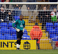 Photo: Jed Wee.<br />Tranmere Rovers v Swansea City. Coca Cola League 1.<br />26/11/2005.<br />Swansea goalkeeper Willy Gueret looks forlorn after the first goal goes in.