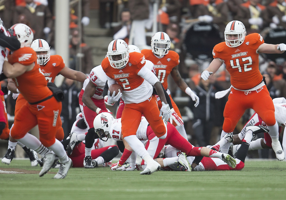 November 28, 2014:  Bowling Green defensive back Clint Stephens (2) returns kickoff for touchdown during NCAA Football game action between the Bowling Green Falcons and the Ball State Cardinals at Doyt L. Perry Stadium in Bowling Green, Ohio.  Ball State defeated Bowling Green 41-24.