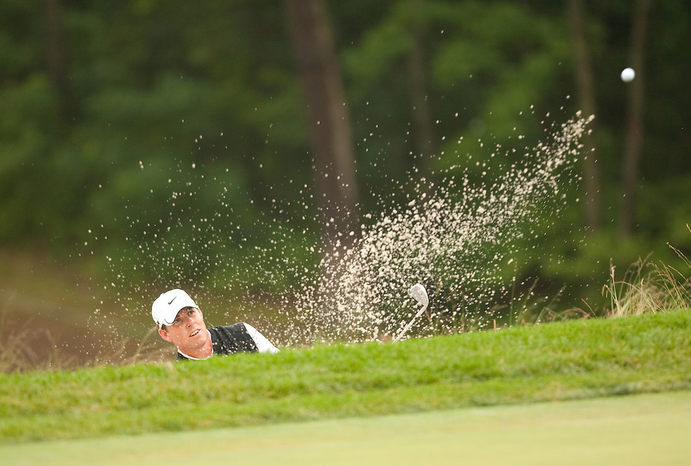 FARMINGDALE, NY - JUNE 19:  Justin Leonard hits a shot out of the bunker during the continuation of the first round of the 109th U.S. Open Championship on the Black Course at Bethpage State Park on Friday, June 19, 2009. (Photograph by Darren Carroll) *** Local Caption *** Justin Leonard