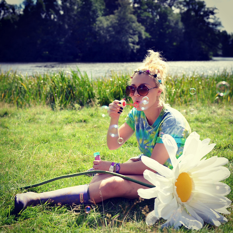 Bethany Cannell 21 From Liverppol  at v festival weston park staffs <br /> Pix Dave Nelson