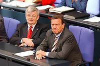 26 SEP 2003, BERLIN/GERMANY:<br /> Joschka Fischer (L), B90/Gruene, Bundesussenminister, und Gerhard Schroeder (R), SPD, Bundeskanzler, waehrend der Bundestagsdebatte zur Reform des Arbeitsmarktes, Plenum, Deutscher Bundestag<br /> IMAGE: 20030926-01-070<br /> KEYWORDS: Gerhard Schröder