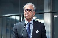 """29 MAR 2017, BERLIN/GERMANY:<br /> Dr. Juergen Heraeus, Praesident B20, Vorsitzender von UNICEF Deutschland, Aufsichtsratsvorsitzender der Firma Heraeus, haelt eine Rede, Veranstaltung des Wirtschaftsforums der SPD und der Business 20, B20: """"Global Governance in Zeiten der Globalisierungsskepsis - Impulse aus der G20-Wirtschaft"""", Quartier Zukunft der Deutschen Bank<br /> IMAGE: 20170329-02-101<br /> KEYWORDS: Dr. Jürgen Heraeus"""