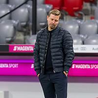 21.11.2020, Allianz Arena, Muenchen, GER,  FC Bayern Muenchen SV Werder Bremen <br /> <br /> <br />  im Bild Florian Kohfeldt (Cheftrainer SV Werder Bremen) beim schlusspfiff<br /> <br /> <br /> <br /> Foto © nordphoto / Straubmeier / Pool/ <br /> <br /> DFL regulations prohibit any use of photographs as image sequences and / or quasi-video.
