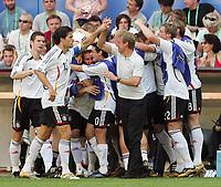 1:0 Jubel Deutschland vorne Bundestrainr Juergen Klins mann, Michael Ballack<br /> Fussball WM 2006 Achtelfinale Deutschland - Schweden<br />  Tyskland - Sverige<br /> Norway only
