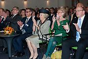 Prinses Beatrix bij viering 200 jaar Commissie van Toezicht op gevangeniswezen in Vergadercentrum Regardz Eenhoorn Amersfoort.<br /> <br /> Princess Beatrix at celebration 200 years Supervisory Committee on Prisons in Conference center Regardz Unicorn Amersfoort.<br /> <br /> Op de foto / On the photo: <br /> <br />  Princes beatrix met rechts Christine Linzel, voorzitter klankbordgroep Cvi' s en Staatssecretaris van Veiligheid en Justitie Fred Teeven
