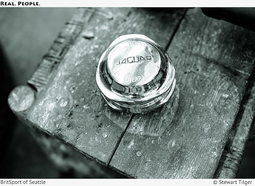 Jaguar wheel nut